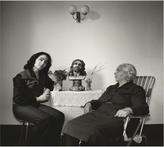 'Violeta La Burra y su madre' (1979). Por Angels Ribé. Archivo de Humberto Rivas.