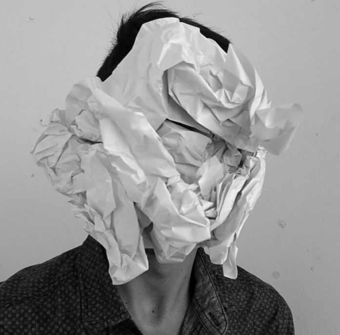 """""""El objeto cotidiano, esconde en su aparente insignificancia la capacidad de transformar el mundo conocido"""", Mario Montoya. Foto: Diàleg Obert."""