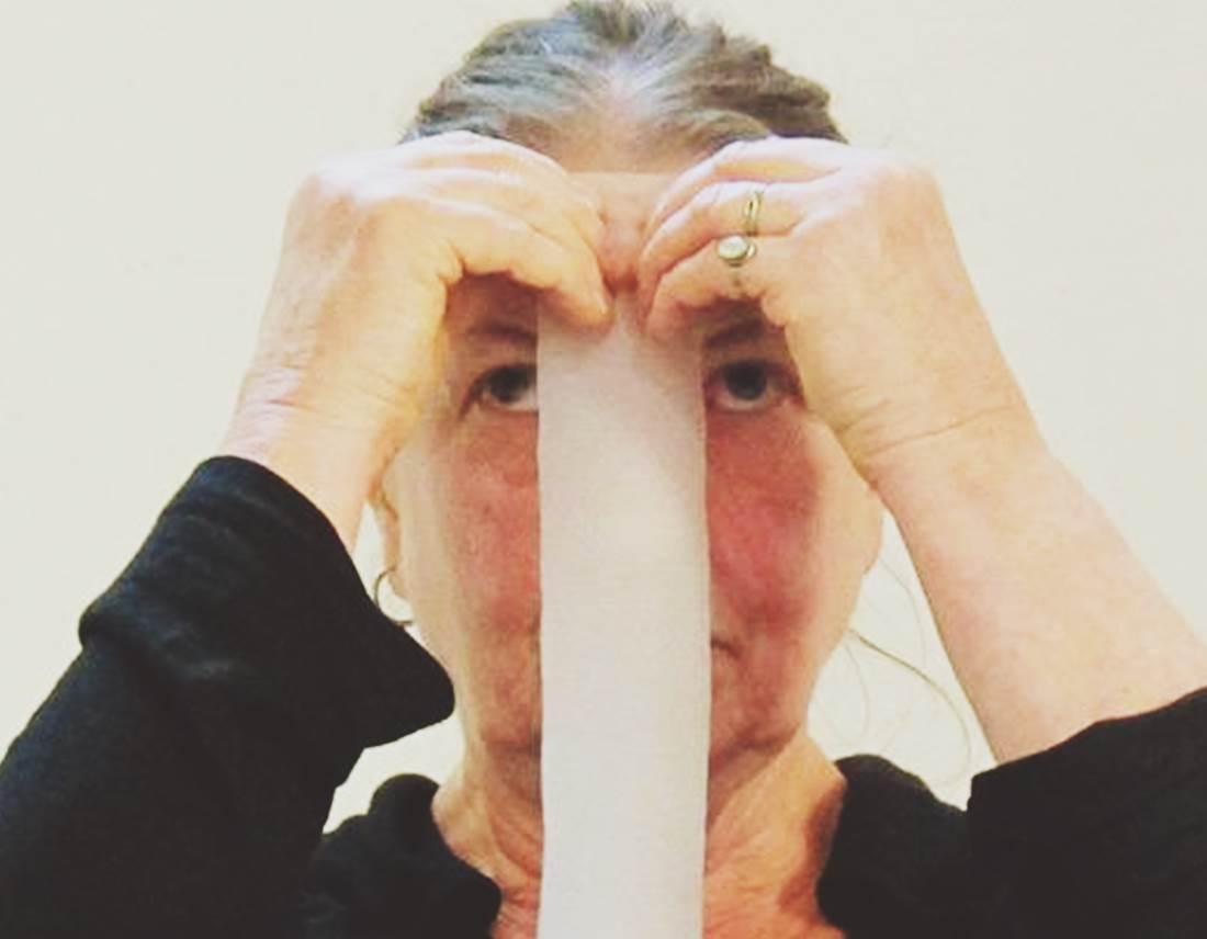 """Mónica Günther, performer y pedagoga alemana de referencia en el arte de acción, ha sido maestra de muchxs performers por todo el planeta. En diciembre de 2016 impartió un taller en el Teatro Musical de Valencia, dentro del programa Diàleg Obert. """"Respecto a su práctica como enseñante, he de decir que ya traje al dúo Günther-Schill hace más de diez años a la Universidad Politécnica de Valencia, provocando el interés de todos y cada uno de los estudiantes matriculados"""", Bartolomé Ferrando."""
