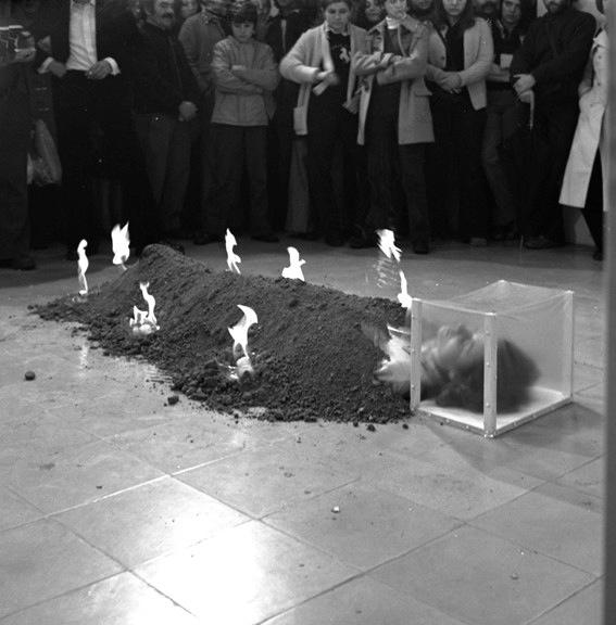 'Relació del cos amb els elements' (1975)