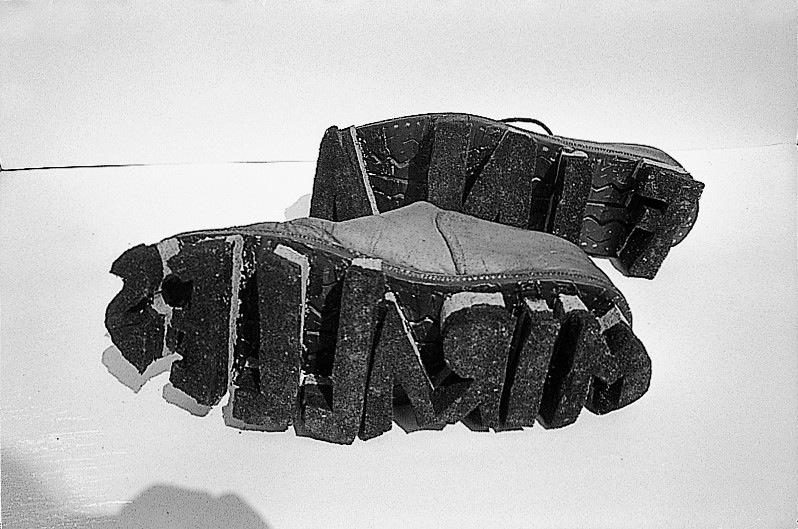 Zapatos. Tampón para la película 'Petjades' (1976)